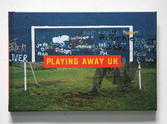 01 playing away uk- 700